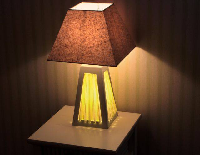 comment construire une lampe documentation utile. Black Bedroom Furniture Sets. Home Design Ideas